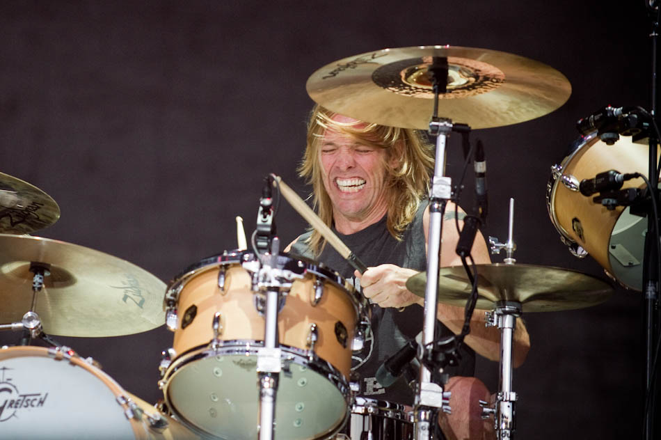 Photo of Taylor Hawkins with Foo Fighters in Adelaide 2011